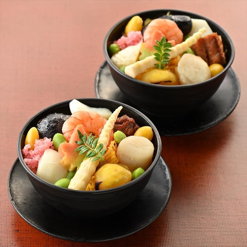 蒸し鮨(ぬくずし)4個