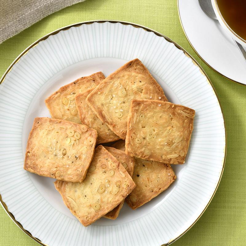 ナッツぎっしり塩味チーズクッキー 12袋