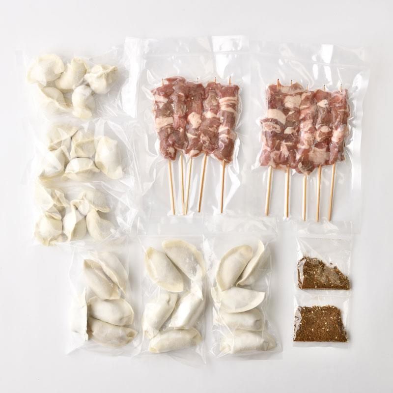 味坊の焼き餃子、水餃子、羊串セット